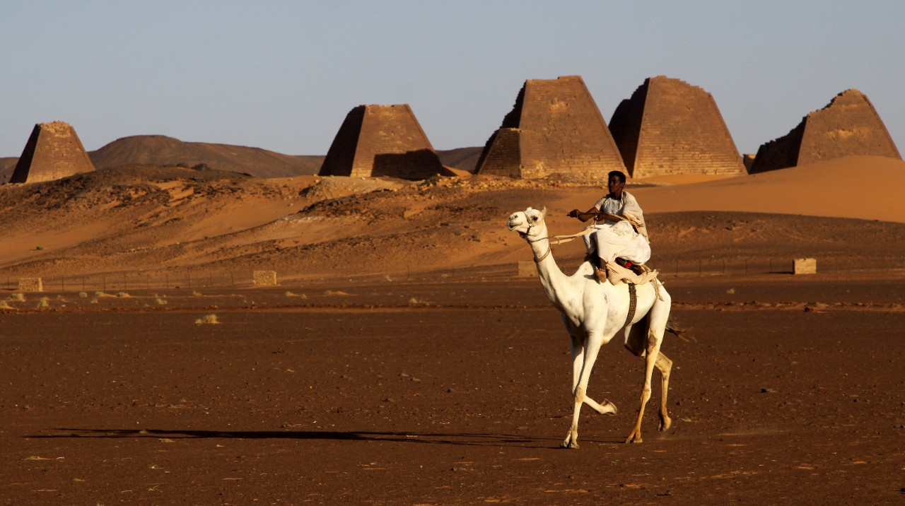 places-to-visit-in-sudan-wonder-of-meroe-in-the-pyramids