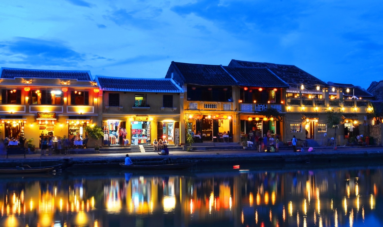 Things To See In Vietnam - Hoi An - Full Moon Event